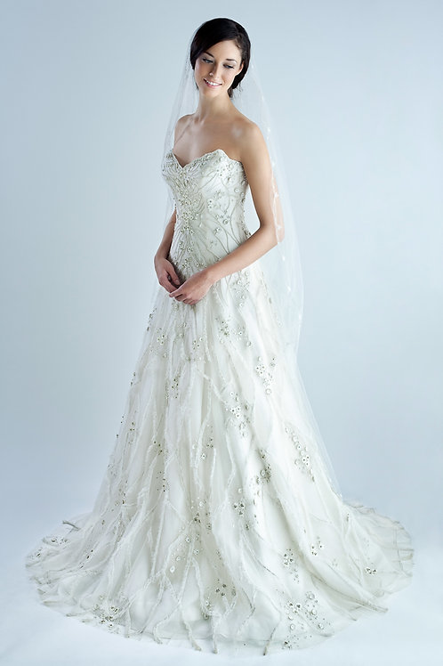 BRIDAL LC STARDUST - Originally £15500, now £5500