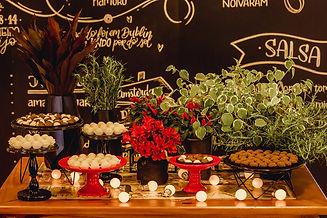 Mesa de Doces Cha bar.jpg