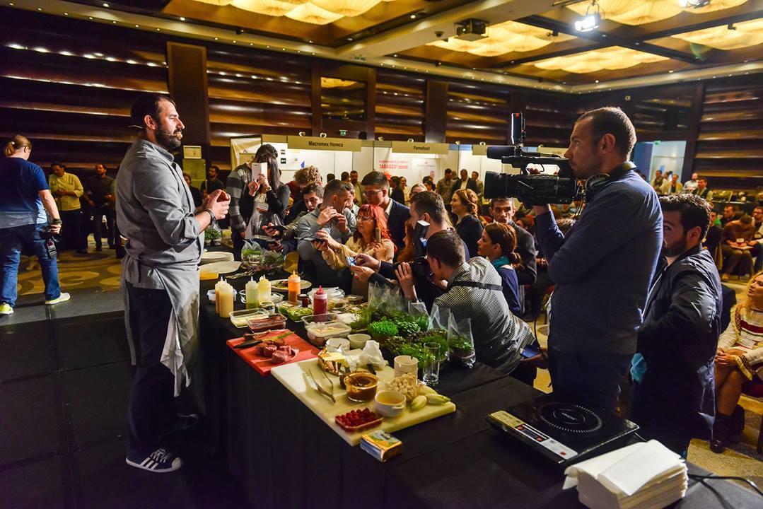 Demonstratia culinara facuta de catre Chef Adrian Hadean la Taste Ambassadors  #Tasteambassadors2016 #TopHospitality #TrendsByHRB #ABCPTH #RevistaProgresiv  © -  Asociatia Bucatarilor si Cofetarilor Profesionisti - Top Hospitality | Trends by HRB | T