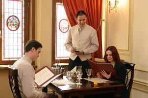 Esti civilizat in restaurant? 15 reguli de aur, recomandate de catre chelnerii romani