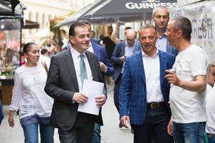 CONFIRMARE După negocieri discrete, Guvernul va acoperi din pierderile proprietarilor de restaurante