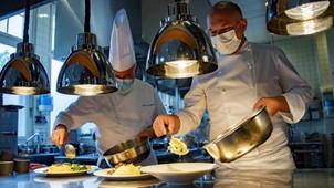 Peste 73.200 de firme din sectorul HoReCa ar putea să beneficieze de ajutoare de stat