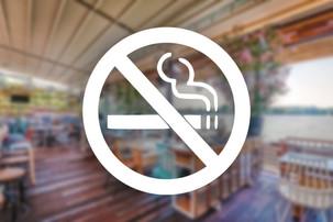 Amendamente la legea antifumat. Fumatul ar putea fi posibil la terase si in camere special amenajate