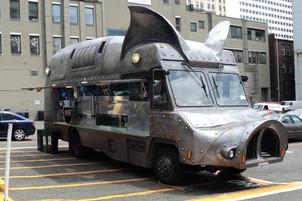 """Top 10 """"Cele mai ciudate Food Truck-uri din lume""""!"""