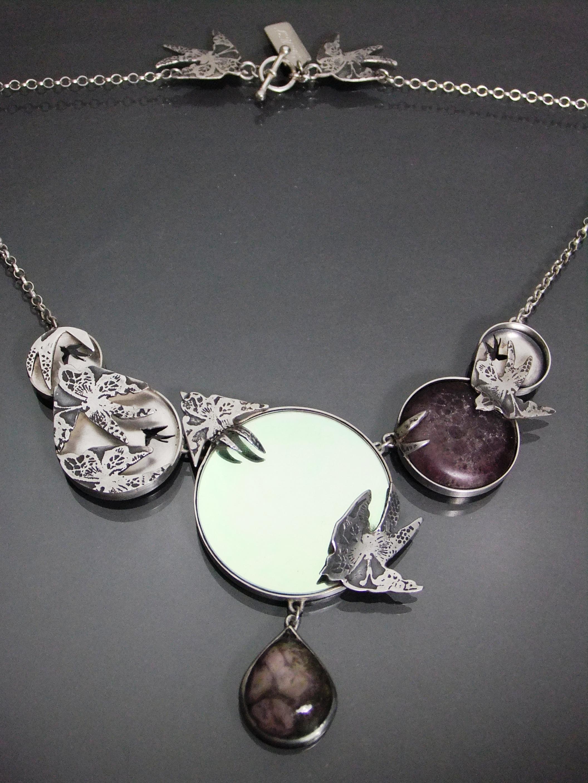 Memorial swallow shadow necklace