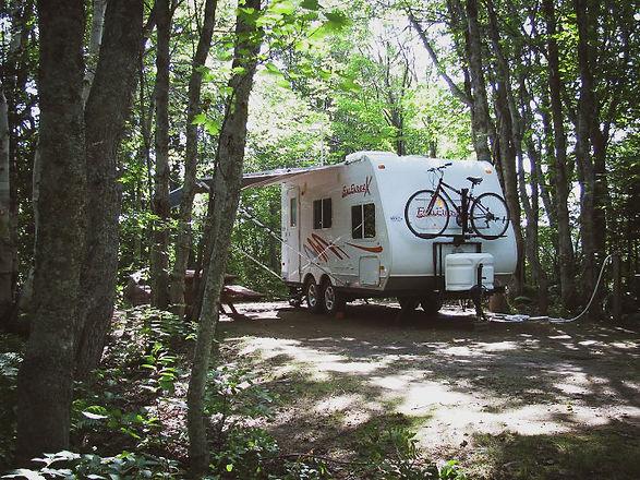 camping boisée 2 .jpg