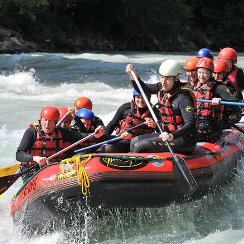 rafting-293542_1280.jpg