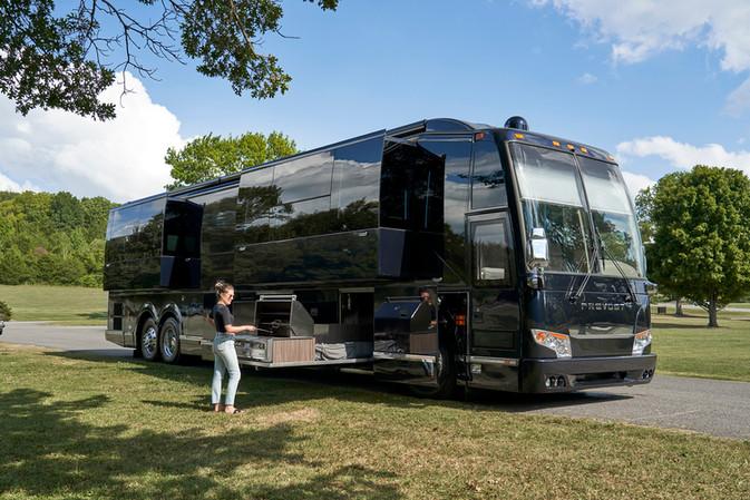 Casella Prevost Tour Bus 02 Small.jpg