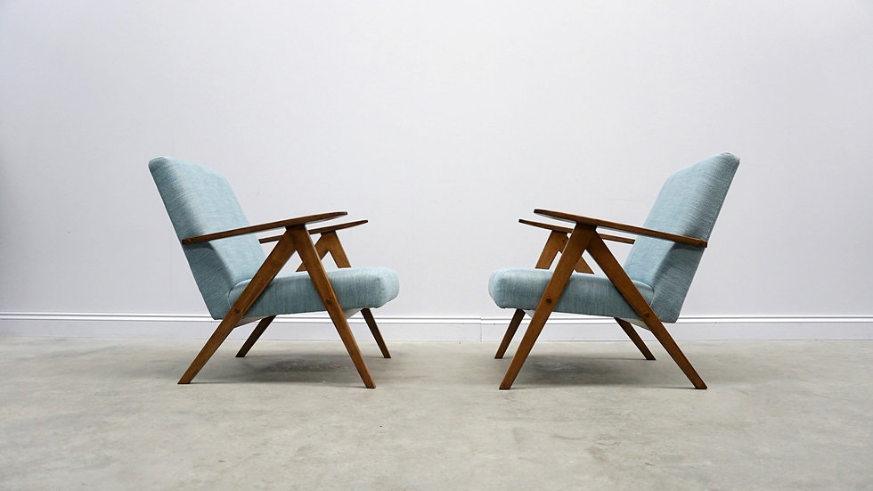 Model B 310 Var Mid Century Easy Chairs, in Light Blue Upholstery, 1960, 1 of 2