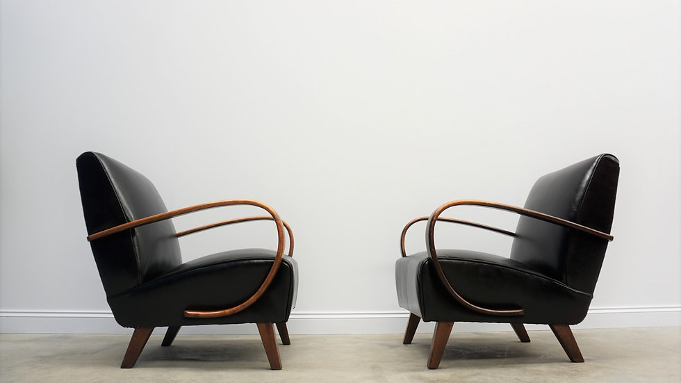Jindrich Halabala Bentwood Armchairs in Black Leather, Thonet 1930, Set of 2