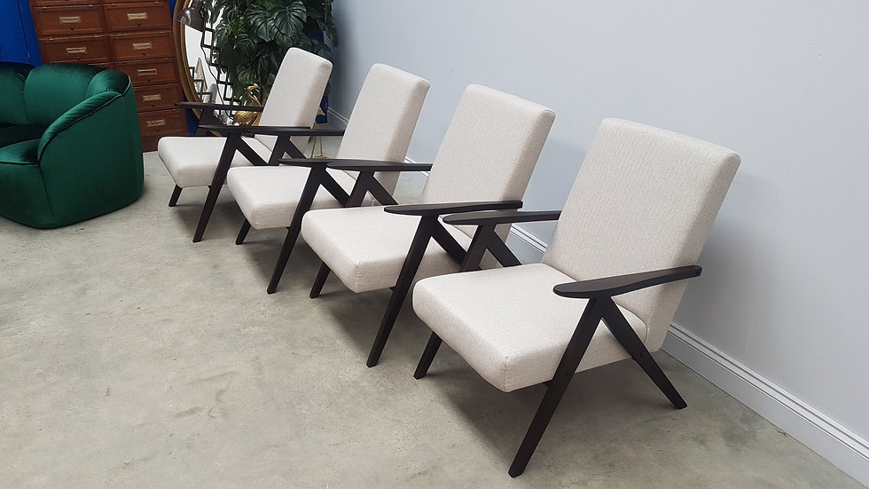 1960 Model B 310 Var Mid Century Easy Chairs in Light Grey Tweed, 1 of 4
