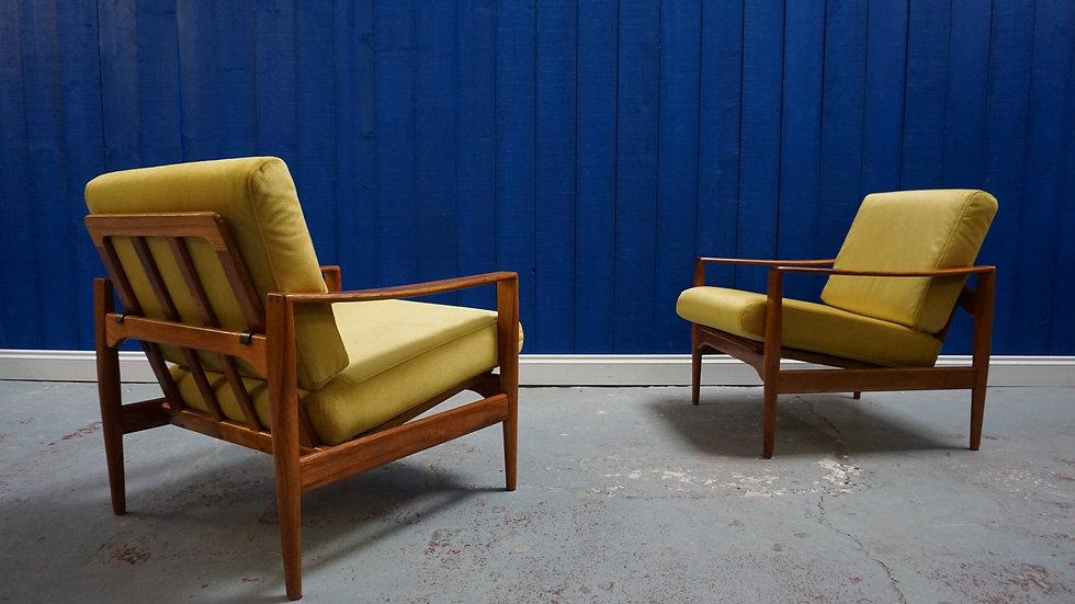 Vintage Model EK Danish Armchairs by Illum Wikkelsø for N. Eilersen, 1960s