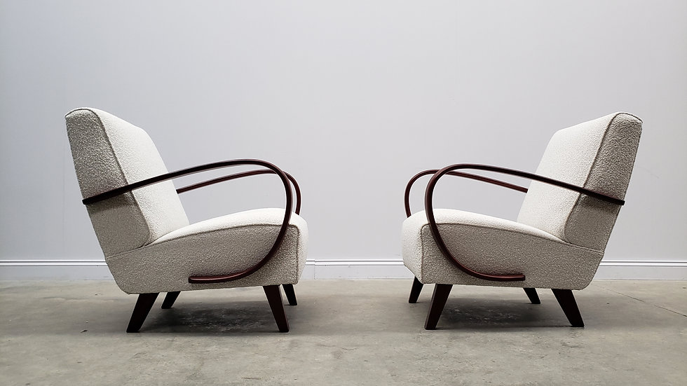 1930 Jindrich Halabala Bentwood Armchairs in Neutral Boucle, 1 of 2