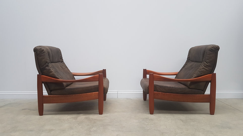 Pair of Vintage Leather and Teak High Back Loungers, 1960