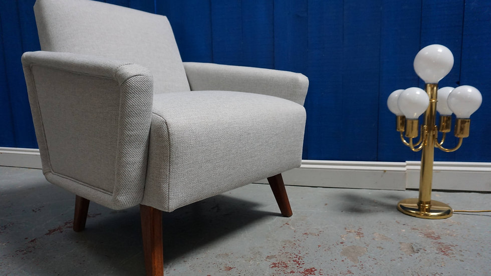 Mid Century Danish Lounger in Light Grey Tweed, 1960's
