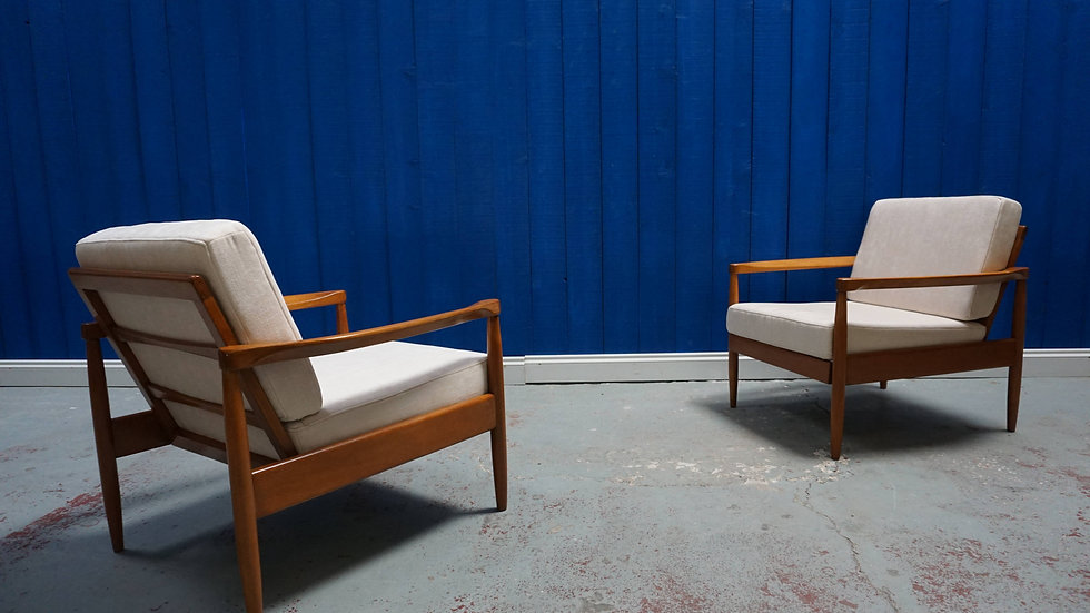 Pair of Mid Century Danish Loungers in Creme Upholstery, 1960