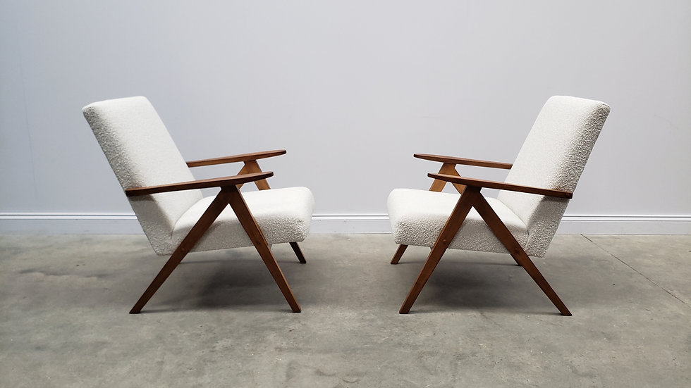 1960 Model B 310 Var Mid Century Chairs in Neutral Boucle, 1 of 2
