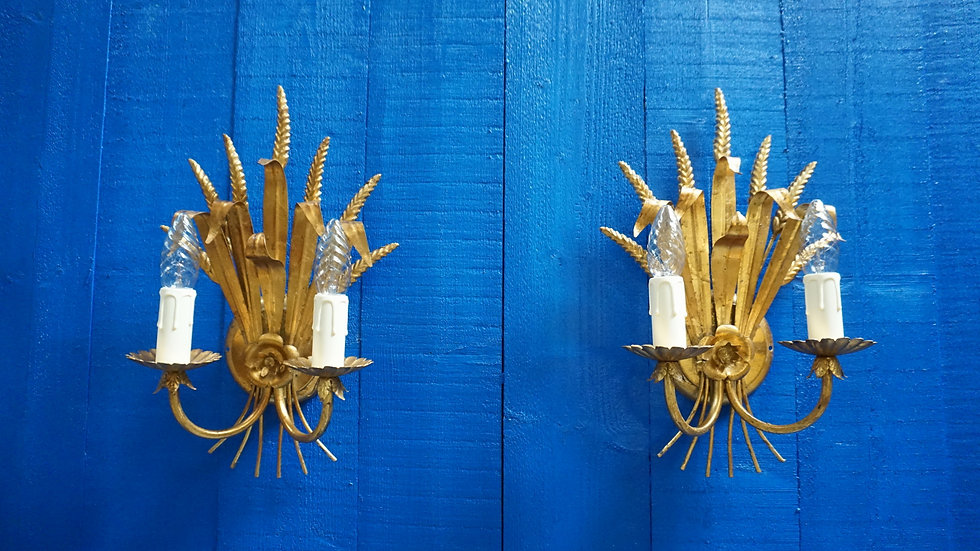 Italian 1960 Hollywood Regency Gilt Metal Sheaf of Wheat Wall Sconce, Set of 2