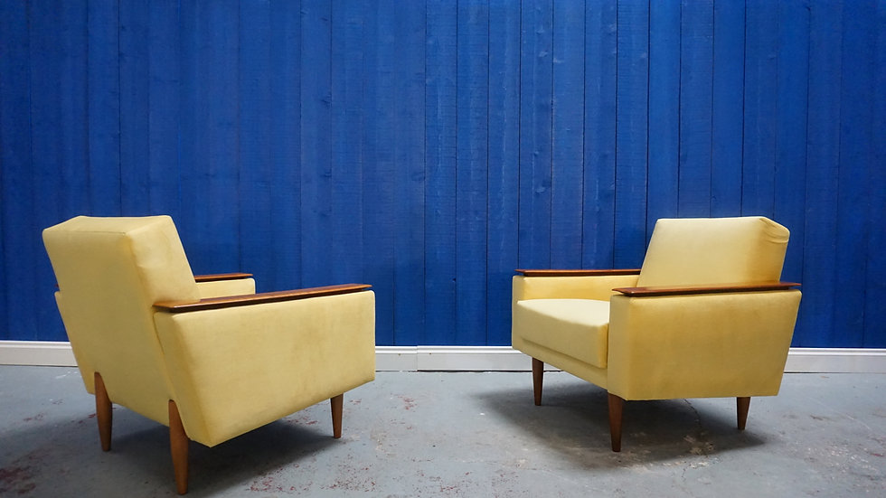 Mid Century Danish Loungers Club Chairs in Yellow, Set of 2