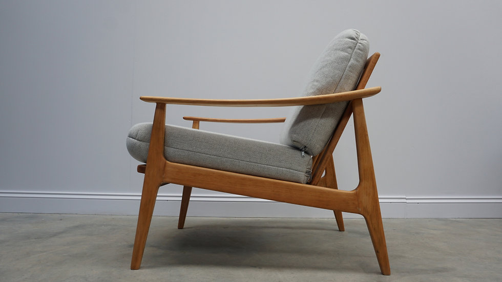 1960's Danish Lounger Club Chair in Light Grey Tweed