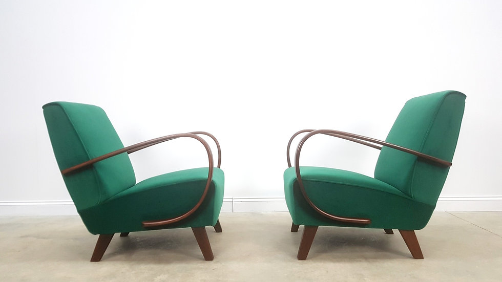 Pair of 1930 Jindrich Halabala Bentwood Armchairs in Green Velvet, Thonet
