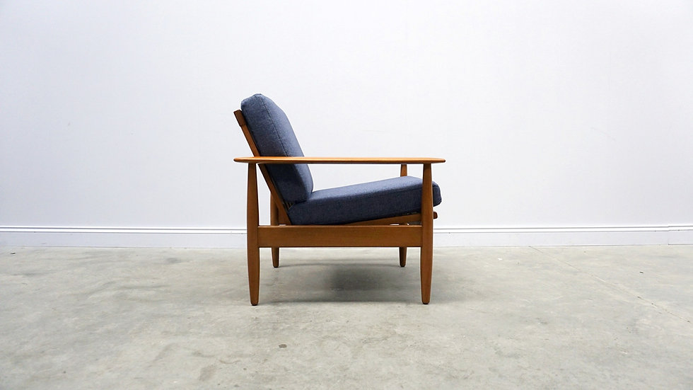 1960's Danish Loungers Club Chairs in Navy Blue Tweed, 1 of 2