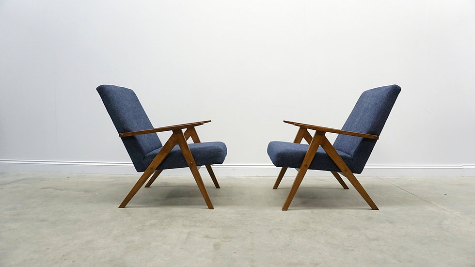 Mid Century Easy Chairs Model B - 310 Var in Navy Blue, 1 of 2
