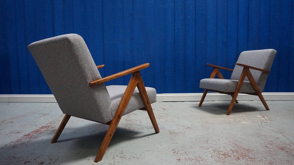 Model B 310 Var Mid Century Modern Easy Chairs In Grey Tweed, 1960's Set of 2