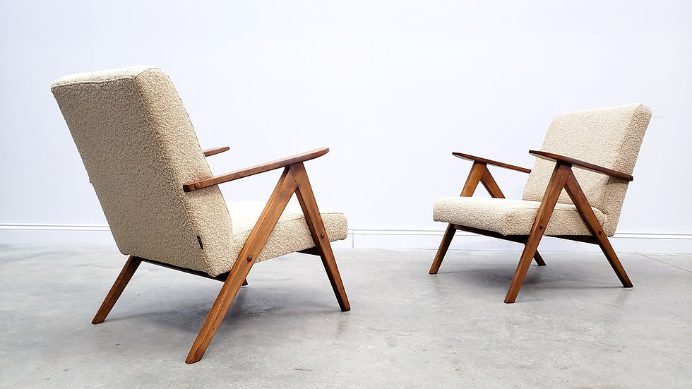 1960 Model B 310 Var Mid Century Chair in Beige Boucle