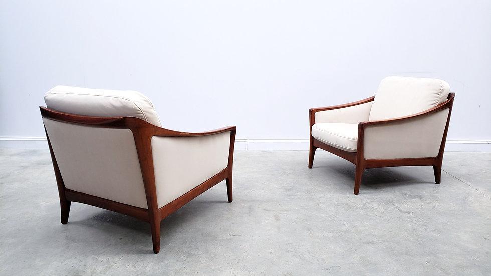 1960 Danish Lounger Club Chair in Beige Velvet