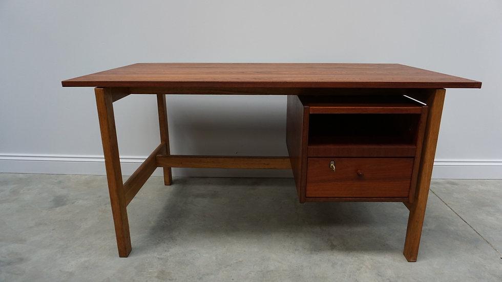 Model G - 120 Mahogany Desk by Hans J. Wegner for Getama, 1960