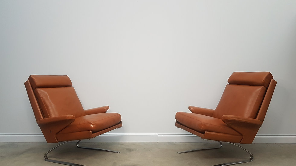 Pair of Swing Lounge  Leather Chairs by Reinhold Adolf for COR, 1960
