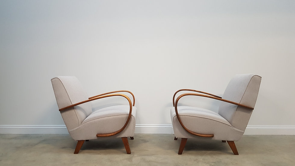 1930 Jindrich Halabala Bentwood Armchairs in Light Grey Tweed, Set of 2