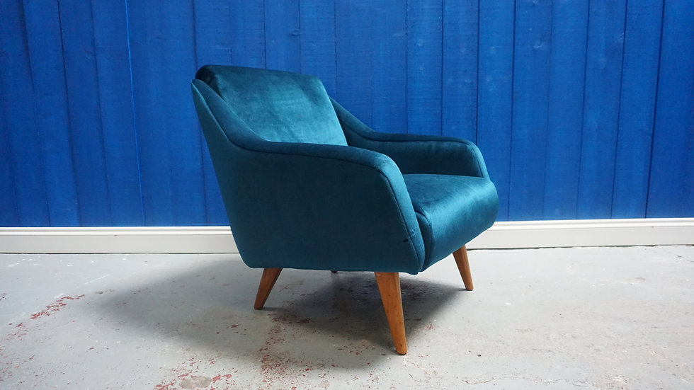 Mid Century Modern Danish Armchair from 1960 in Royal Green Luxury Velvet