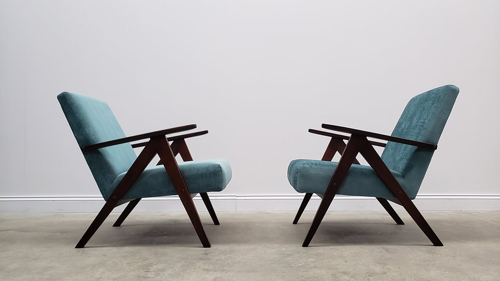 Model B 310 Var Mid Century Easy Chairs, in Turquoise Velvet, 1960, 1 of 2