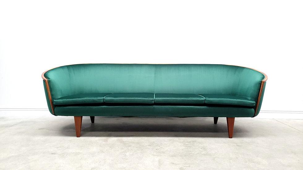 1950 Mid Century Curved French Sofa in Luxury Green Velvet