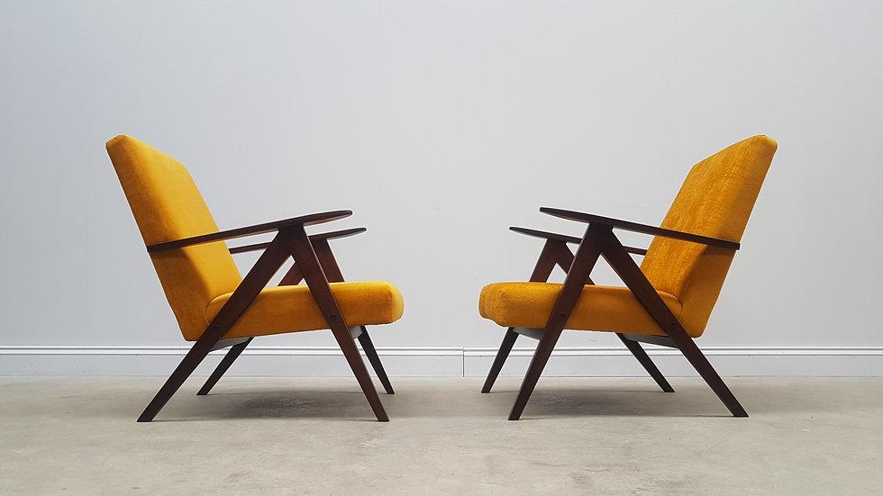 1960 Model B 310 Var Mid Century Easy Chairs in Luxury Golden Velvet, 1 of 2