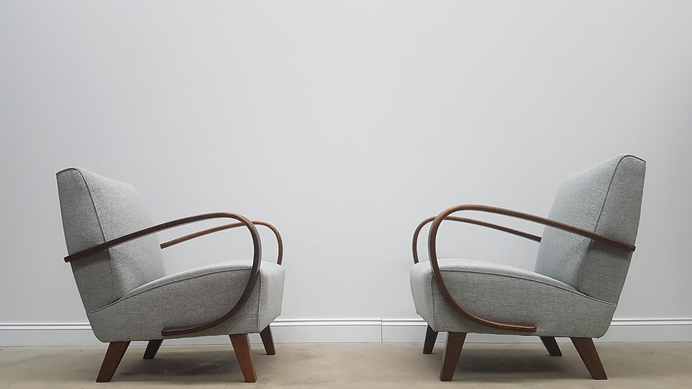 Pair of 1930 Jindrich Halabala Bentwood Armchairs in Grey Tweed, Thonet