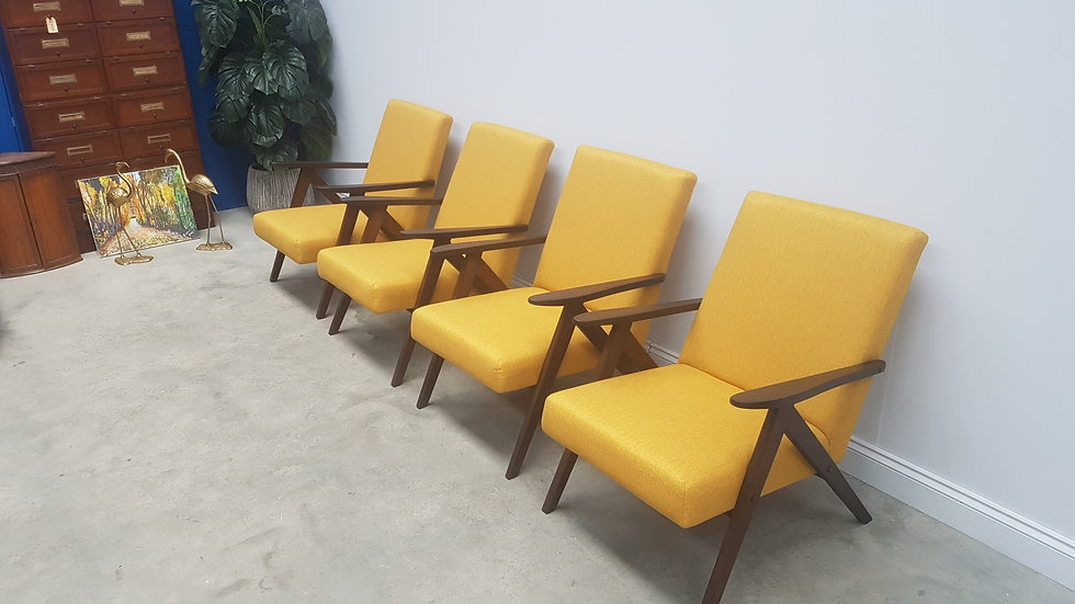 Mid Century Easy Chairs Model B - 310 Var in Yellow Tweed, 1 of 4