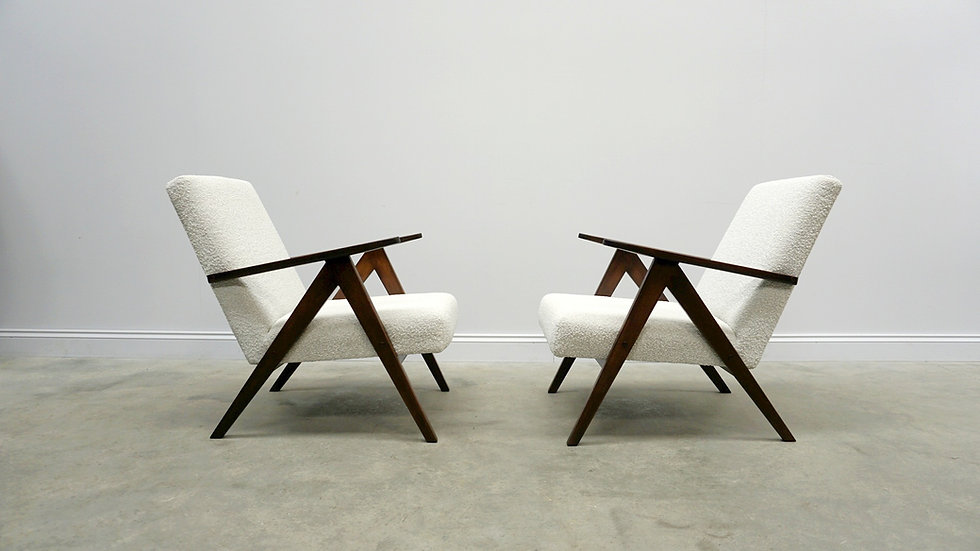 1960 Model B 310 Var Mid Century Easy Chairs in Neutral Bouclé Fabric , 1 of 2