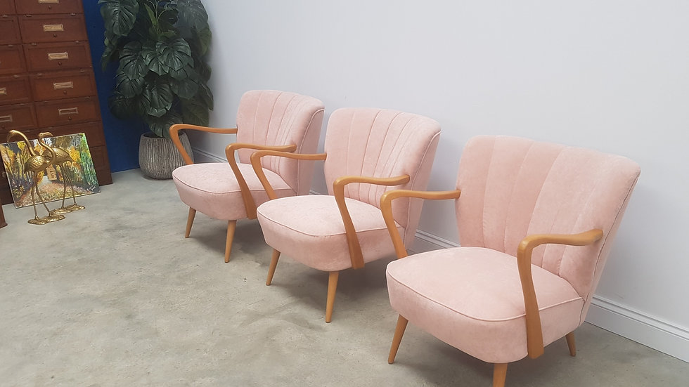 Mid Century Cocktail, Club Chairs, in Pink Velvet, 1960, 1 of 3