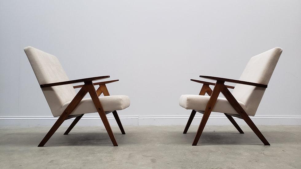 Model B 310 Var Mid Century Easy Chairs, in Ivory Velvet, 1960, 1 of 2