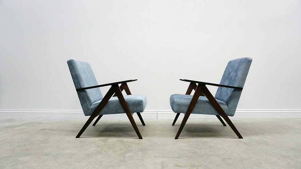 1960 Model B 310 Var Mid Century Easy Chairs in Blue Velvet, 1 of 2
