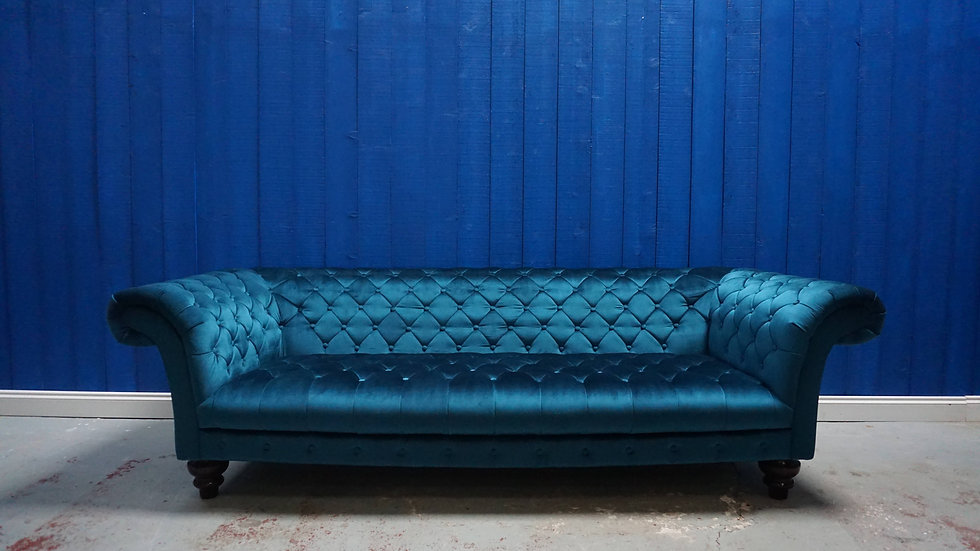Mid Century Chesterfield Victorian Style Sofa in Royal Green Velvet, 1960's