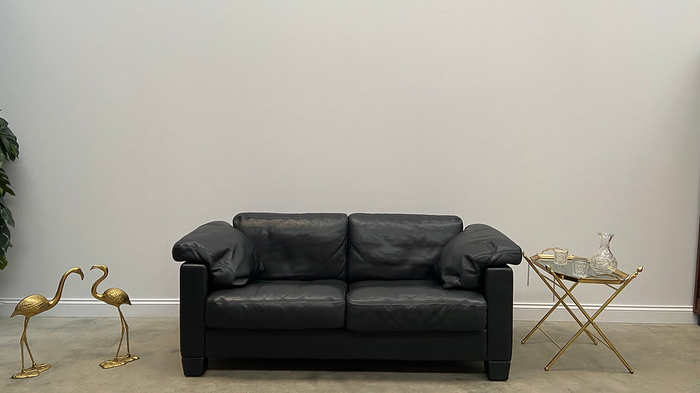 Model DS - 17, Two Seat Black Leather Sofa Couch from De Sede