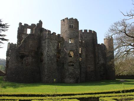 Laugharne Castle (Pembrokeshire, Wales)