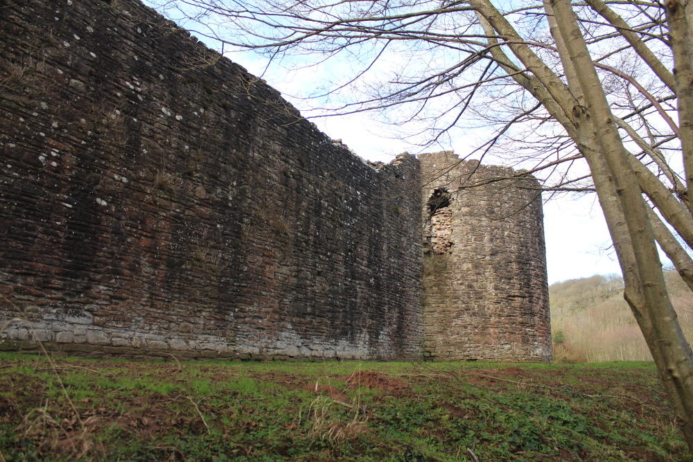 Skenfrith Castle (Monmouthshire, Wales)