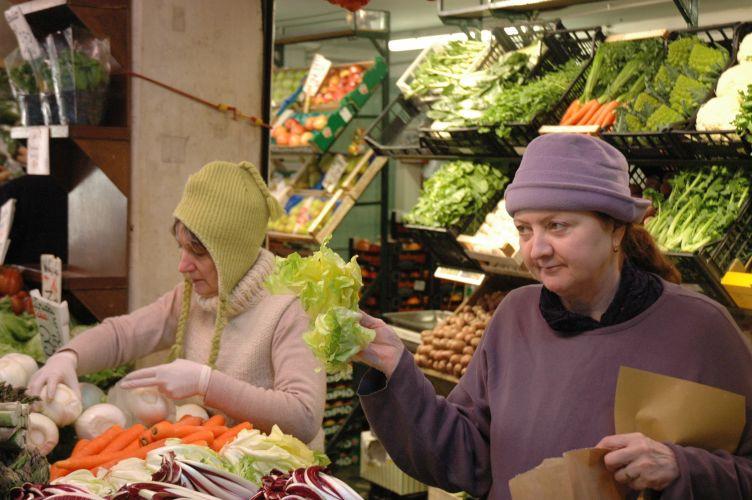 fruit and vegetable vendor