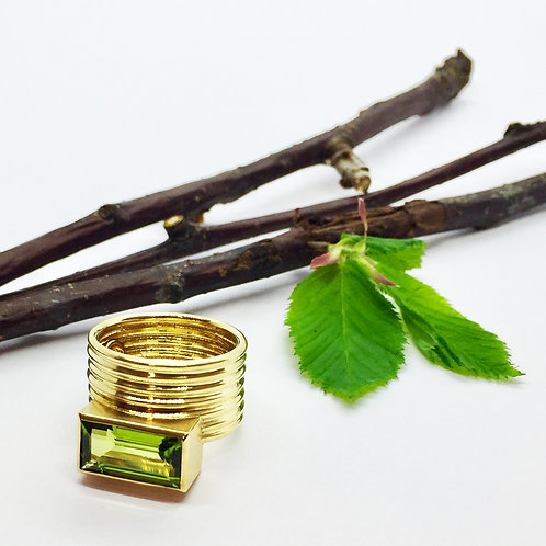 Ring in 750er Gelbgold mit Peridot, in RW 54