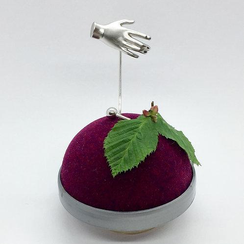 Nadel/Pin Händchen in 935er Silber